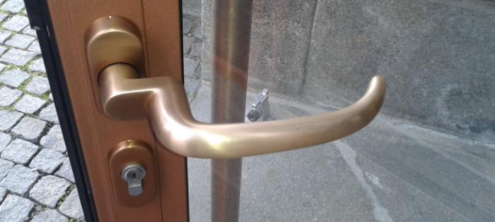 Kunstsammlungen Chemnitz - Türbeschläge aus Bronze