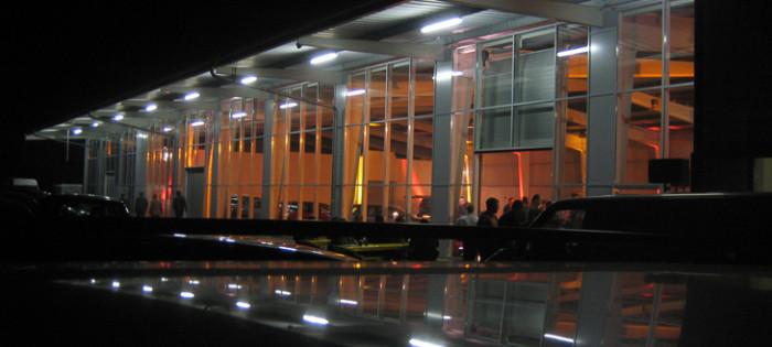 Autohaus - Stahlglasfassade